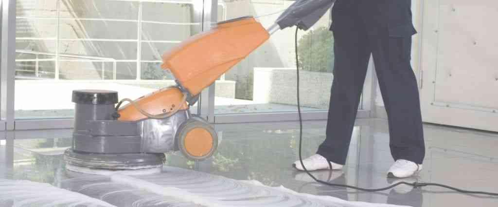 limpieza-de -suelos- de-colegios