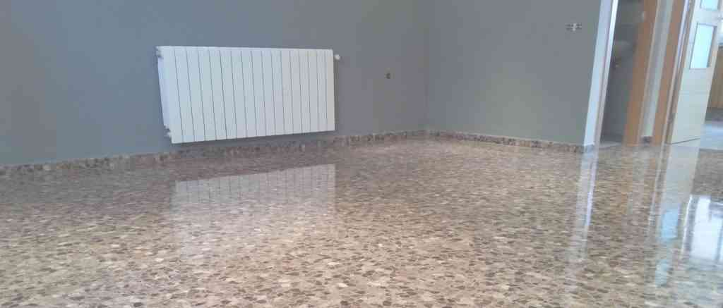 Suelo de terrazo gu a completa de limpieza y abrillantado for Como pulir suelo de terrazo
