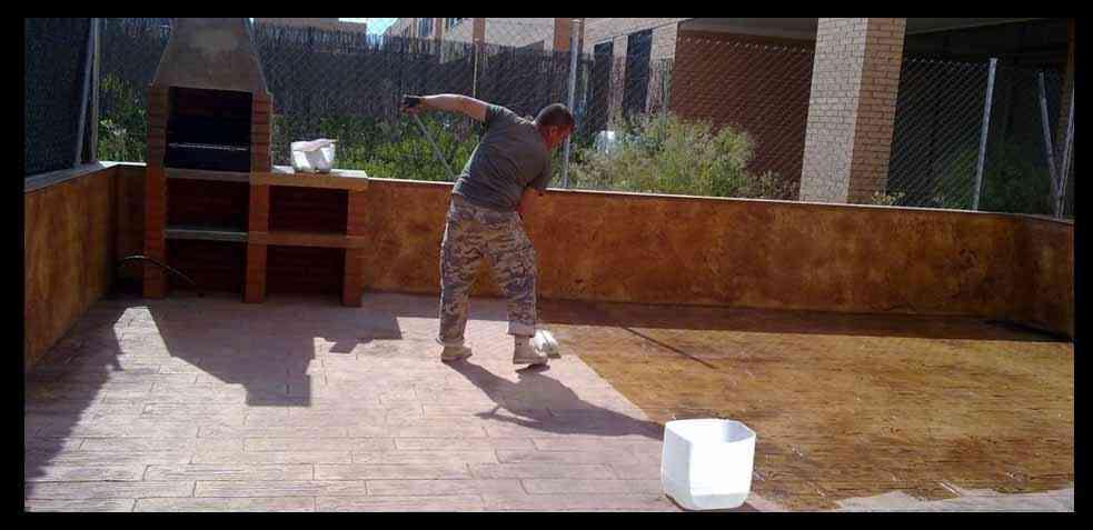 C mo limpiar un suelo de terraza consejos y trucos - Como limpiar suelo porcelanico ...