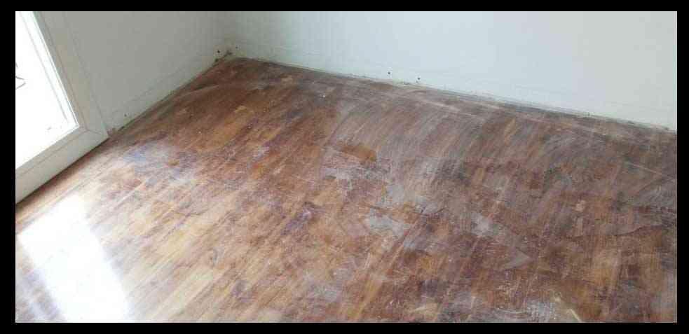suelos de parquet desgastados