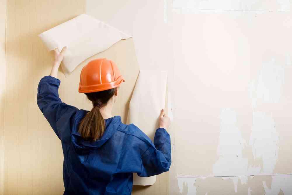 cómo quitar papel de la pared