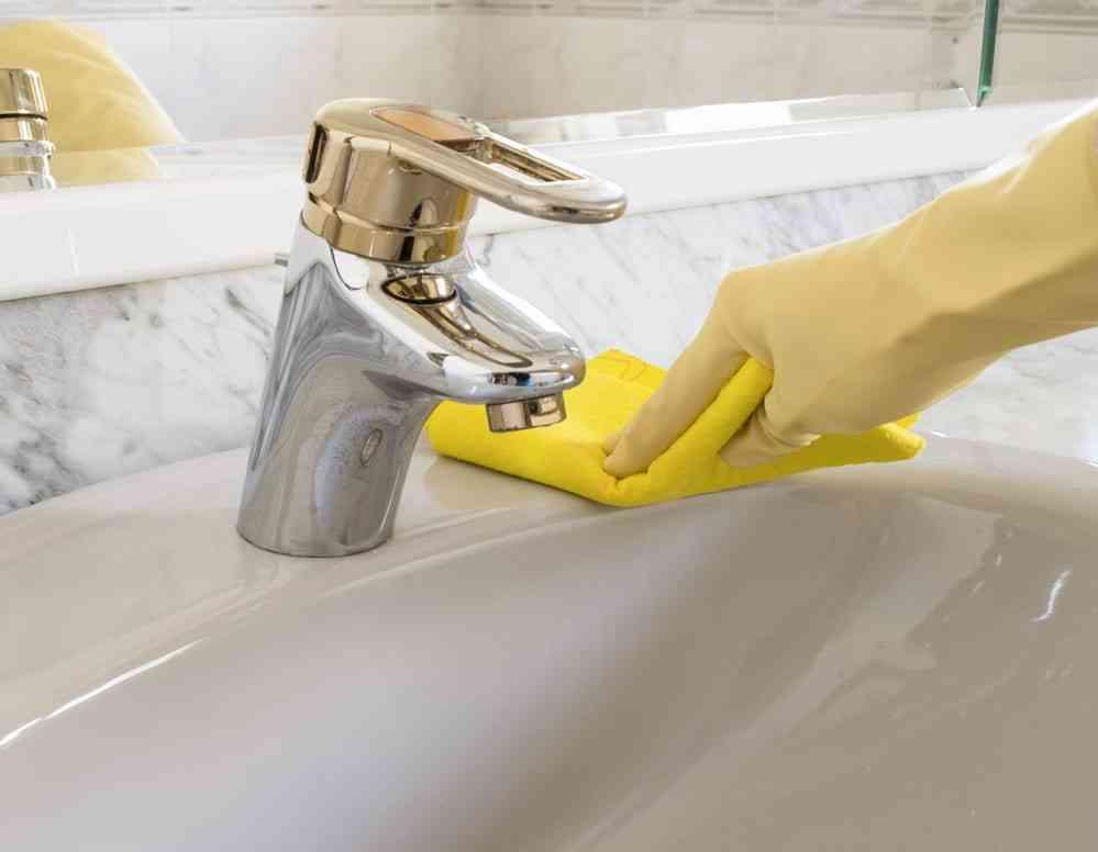 cómo limpiar un baño correctamente