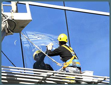 Limpieza de cristales en altura en Manzanares el Real