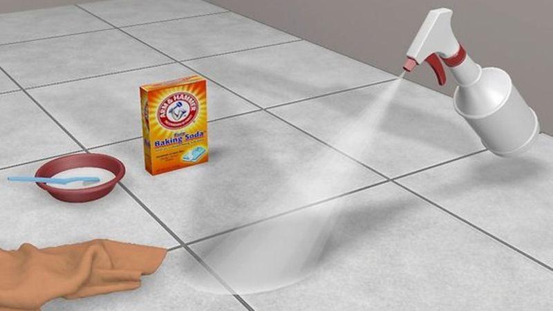 Cómo limpiar las juntas del suelo de la cocina