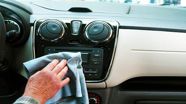 Cómo limpiar coche por dentro