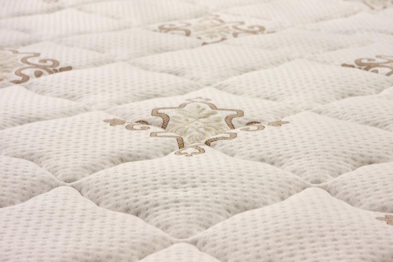 Cómo limpiar el colchón orinado